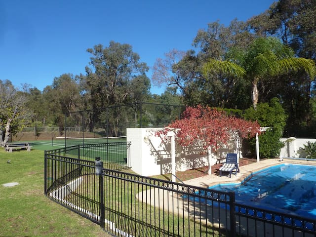 Cockatoo Hills Apartment - Parkerville, Perth Hills - Wohnung