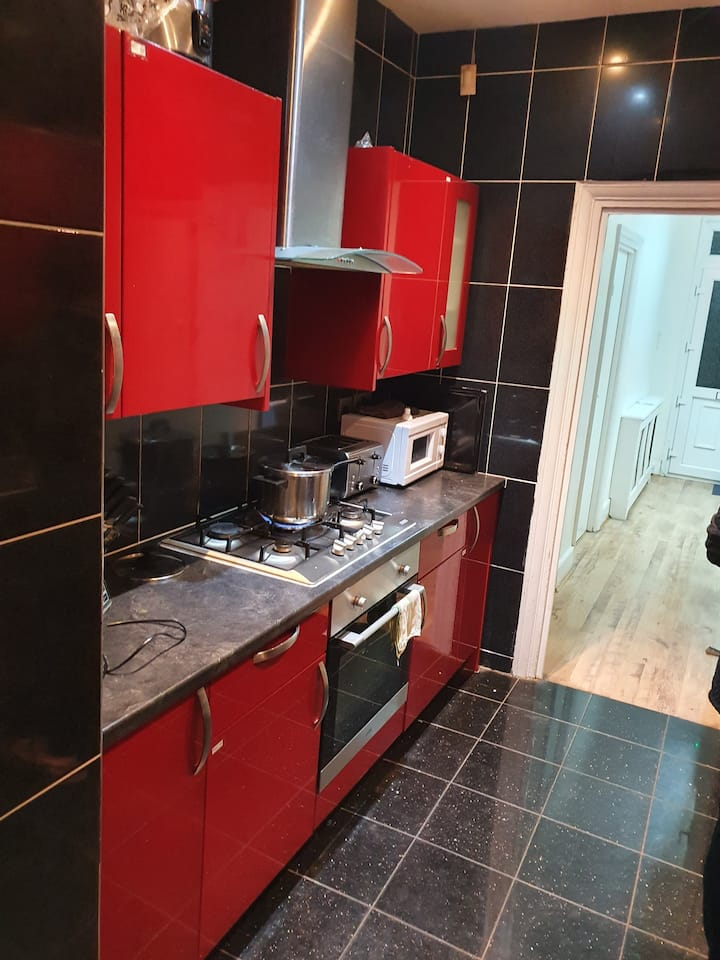 Double room & Single Room Available In Wanstead