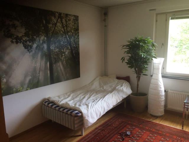 2 room apart in quiet neighborhood - Lidingö