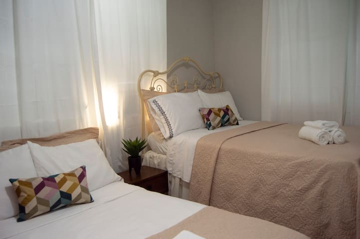 Family Package Room 2h + 1b
