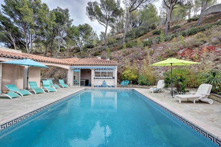 villa 12 pers avec piscine spa mer provence