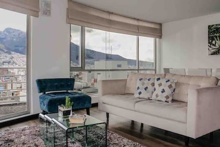 APARTMENT WITH PANORAMIC VIEW A PICHINCHA VOLCANO