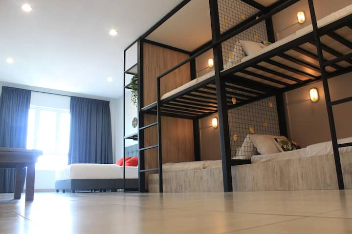 Leisure Home with 2 Bedrooms, 8-9 pax,Octagon Ipoh