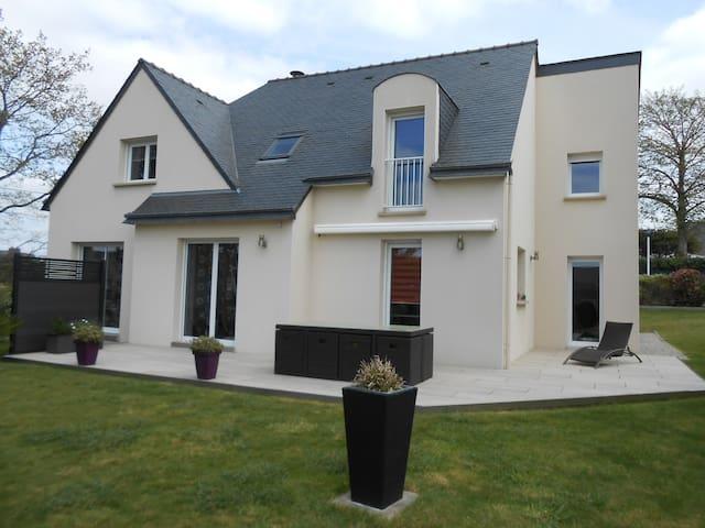 Maison 6 pièces 4/5 pers, proche Golfe du Morbihan