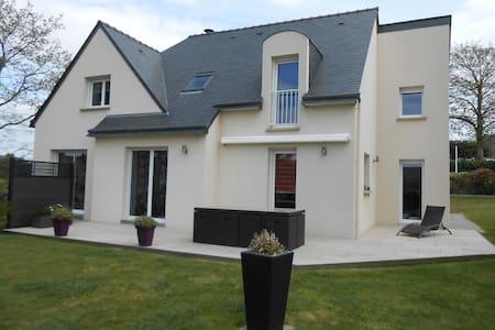 Maison 6 pièces 4/5 pers, proche Golfe du Morbihan - Theix - บ้าน