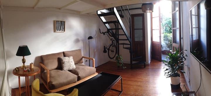 Cozy Bright Studio in Historic Recoleta Building