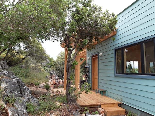 בית עץ מודרני באבירים - Abirim Modern Wooden House