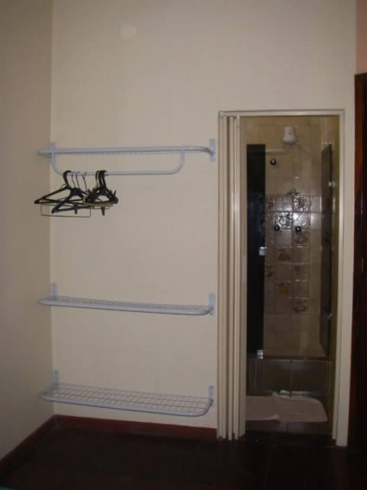chambre avec salle de bains-beija floor
