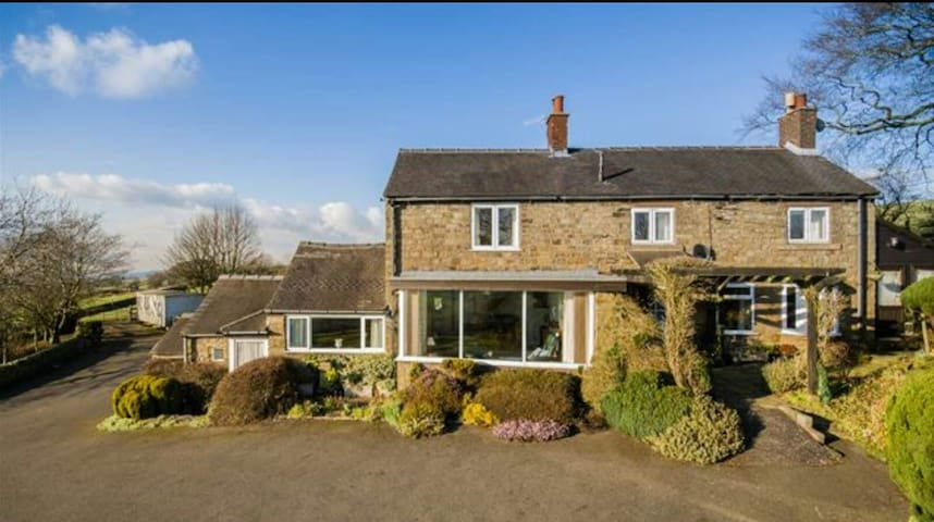 Farmhouse stay in the Churnet Valley