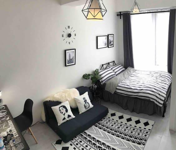 溫馨乾淨舒適的公寓,位於市區太子地鐵步行10分鐘,旺角步行10分鐘