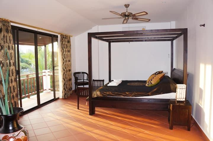 Oriental Pool Villa 4 br