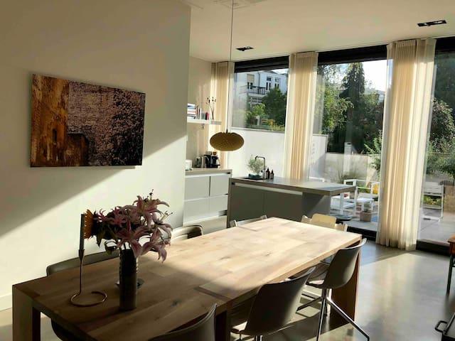 Lovely family house in the best area of Utrecht