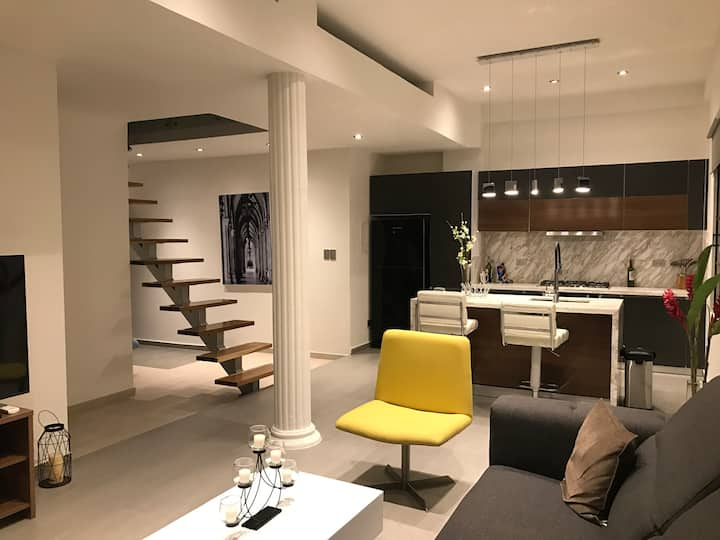 Luxury Modern Brand New Apartment!
