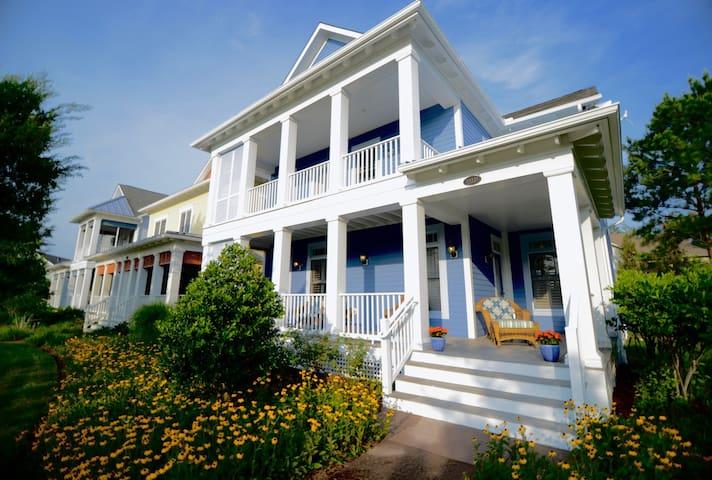 Luxury Villa Home at The Peninsula