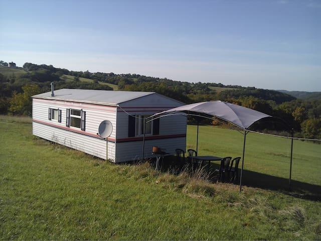 Large 3 bedroom mobile home. Labastide Murat, Lot