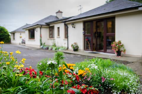 Arbour Villa - Killarney - Beautiful 2 bedroom