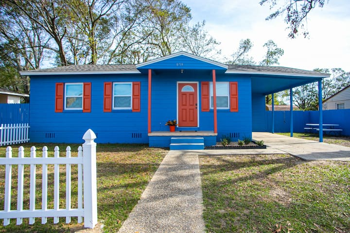 Bright Blue Bungalow of Pensacola