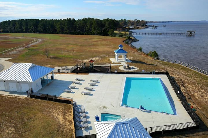 Stay right on the sound! 2BDR/2BA from $239!