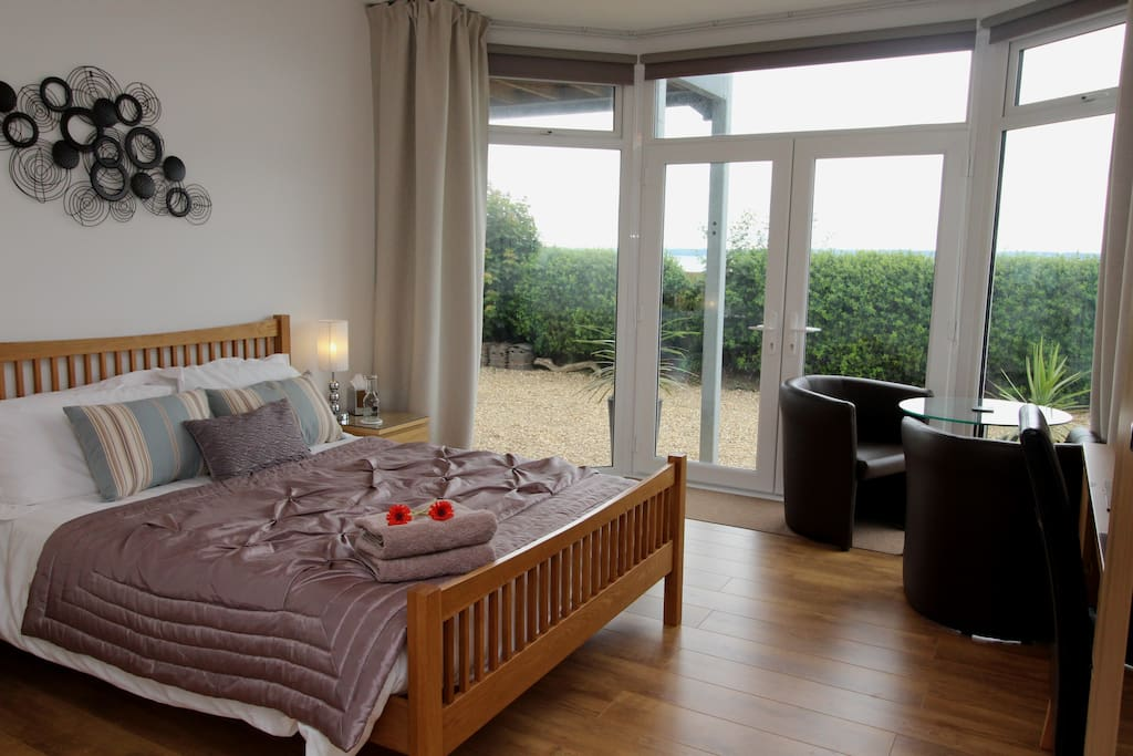 Wake up to a fabulous Sea View