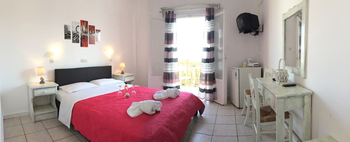 Hotel in the center of Naoussa - Νάουσα - Bed & Breakfast
