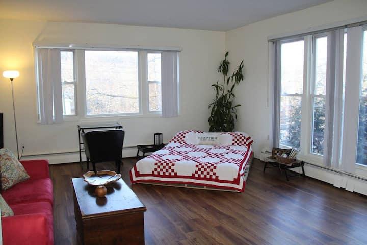 Beautiful Studio Apartment in Perfect Location
