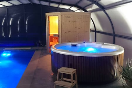 B&B le Patio, Spa piscine et sauna - Grazac