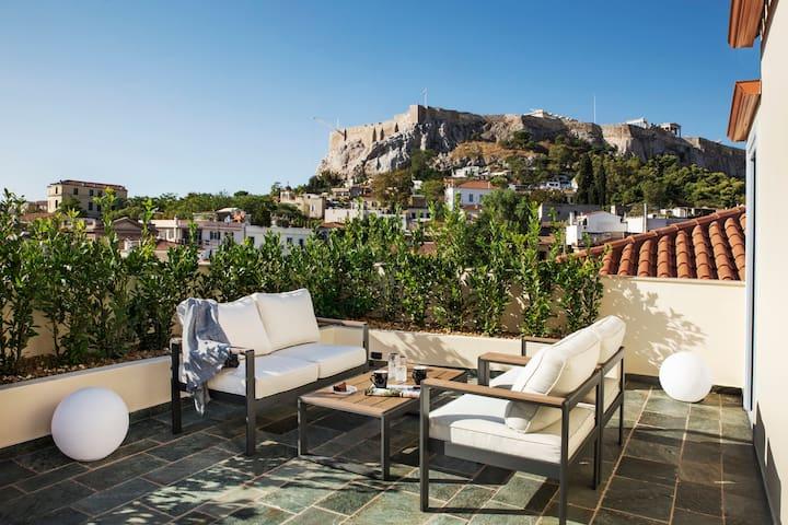 Iconic Suite | Acropolis View & Private Jacuzzi
