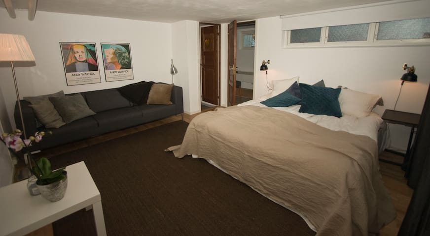 Nice small apartment with private entrance - Göteborg