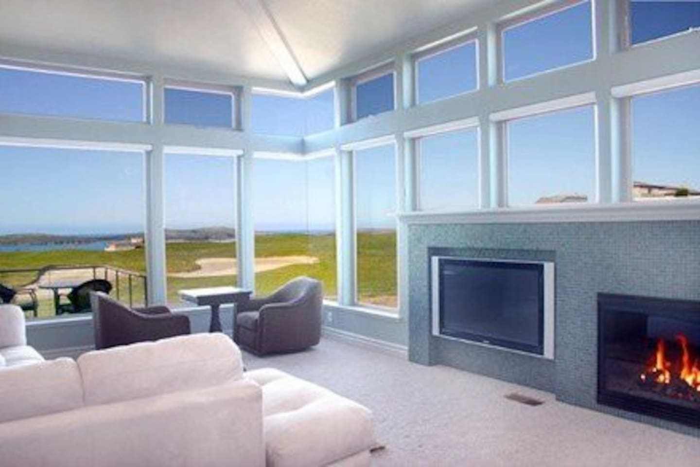 Great room overlooking ocean and 7th hole of Bodega Harbour Golf Links