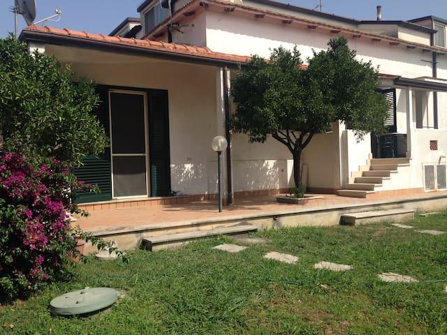 Villa with garden by the sea of Sperlonga - Sperlonga - Apartment