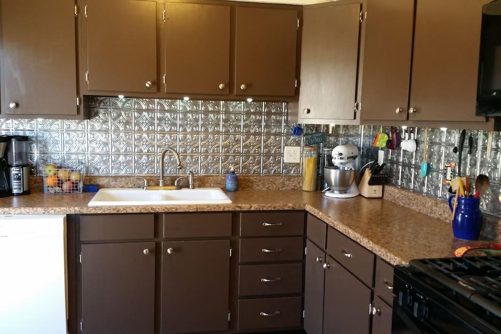 Kitchen-gas stove; microwave; dishwasher