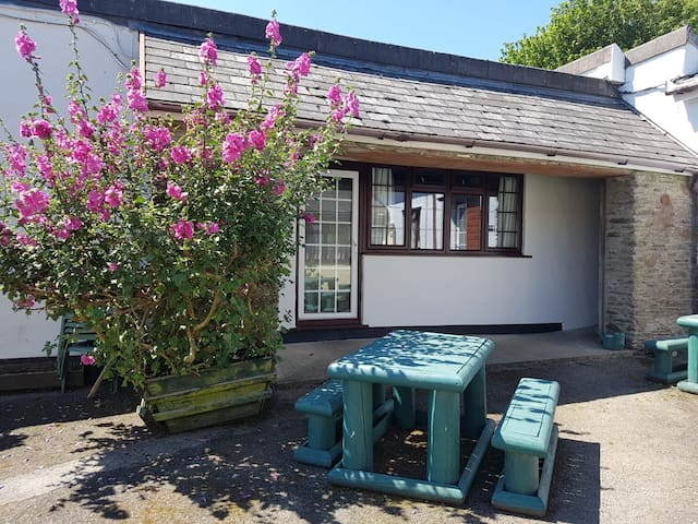 2 bedroom self catering holiday cottage