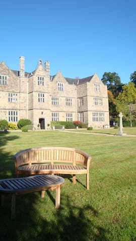 Entire Manor House for Romantic Break for 2 - Christow - Castle