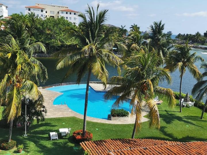 Cozy and sunny at Marina Ixtapa