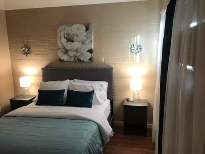 Comfy Cozy Apartment in Central Tucson