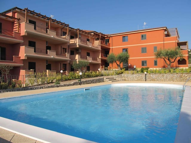 Splendido Tris: appartamento, parcheggio, piscina! - Ricadi - Apartemen