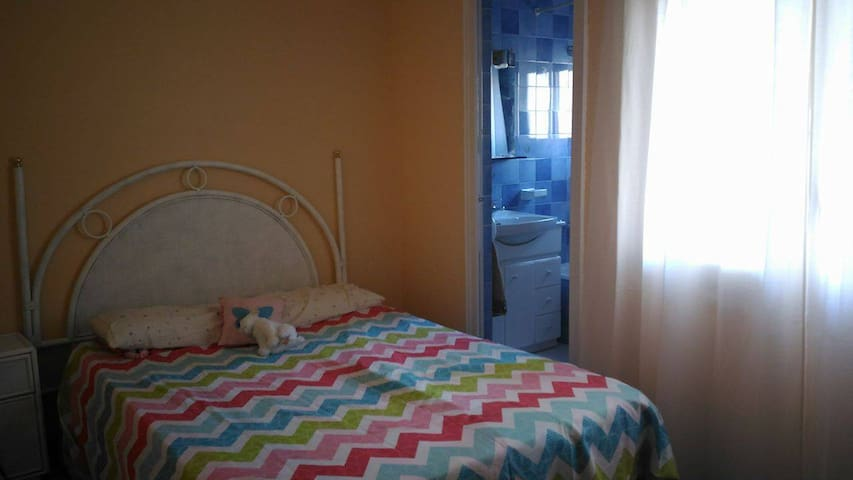 Double room near the sea - El Vendrell - Byt