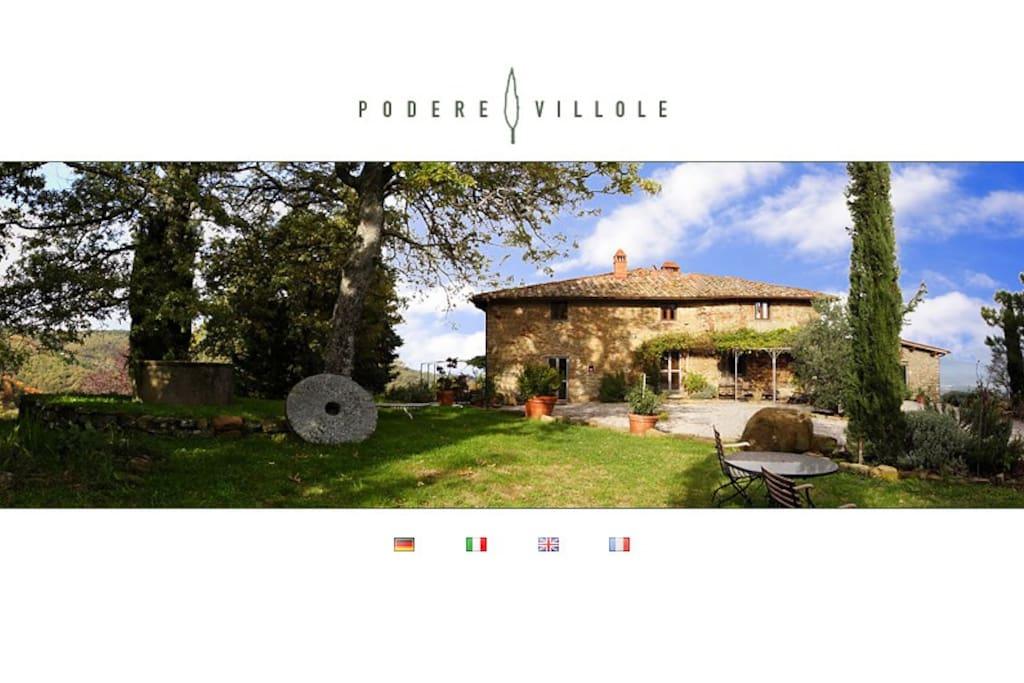 Podere Villole Montevarchi Toskana Podere Villole befindet sich mitten in der Toskana, im Dreieck der Kulturstädte Florenz, Siena und Arezzo, über dem Arnotal auf den ersten Hügeln des Chianti gelegen. Von dort schweift Ihr Blick ungehindert nach Osten, Norden und Westen über die toskanische Landschaft.