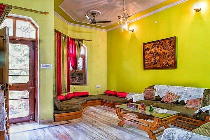 AC Room enSuite in Villa [JAMILAHOUSE]: Jaipur IND
