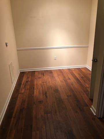 Empty 1 bedroom apartment! - Atlanta - Apartment