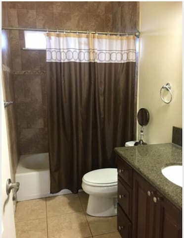 Large Room #3 in Bi-level home w/ 2 queen beds