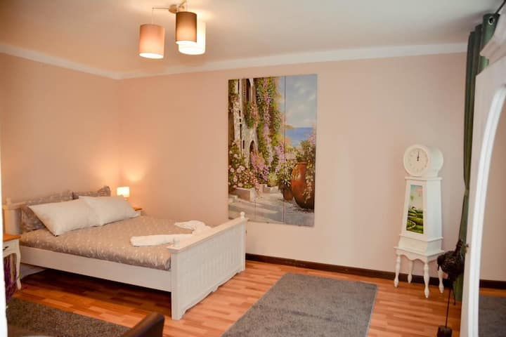 Charming Ultra Central Apartment
