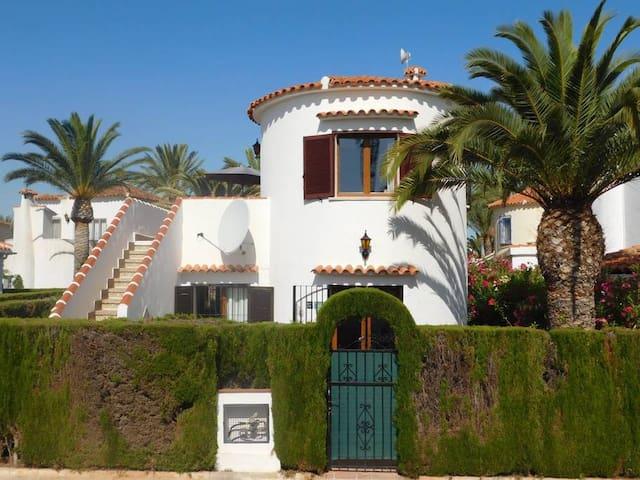 Villa Casa Henrique, Denia with 2 swimming pools