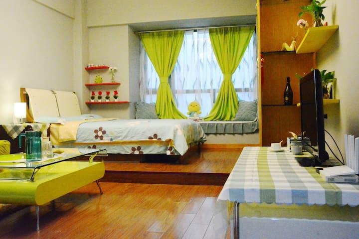 客厅+卧室