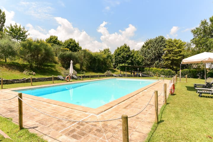 Pool apartment in the Spoleto countryside - Croceferro