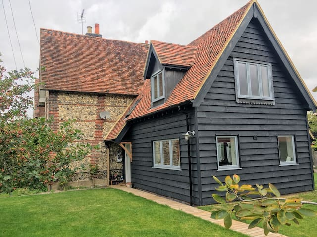 Unique characterful house in the Chilterns