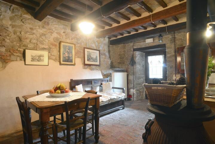 """Appartamento Indipendente """"Il Portico"""" 2 +2 posti"""