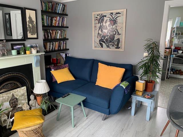 Private Room in quiet housing estate next to DKIT