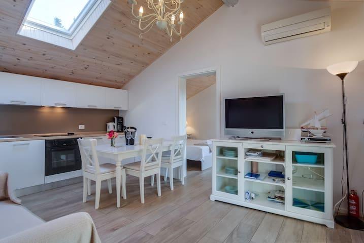 Modern apartment Marilena 2