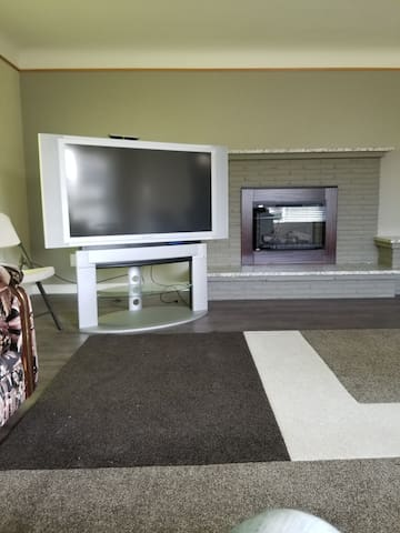 S4 bedroom 3 bathrooms Mukilteo entire house,